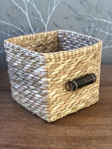 cesta organizadora de palha taboa quadrada com cabo 20x26x24