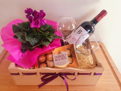 cestas com vinho/chocolate para presente dia dos namorados