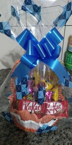 cestas de chocolate e café da manhã