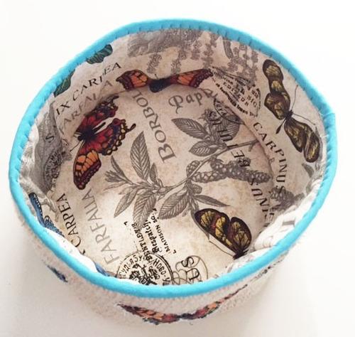 cesto contenedor en lana y tela