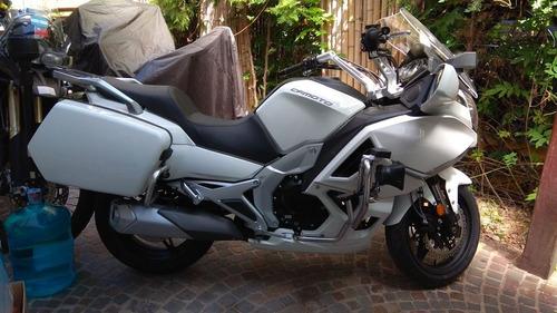 cfmoto 650cc policia