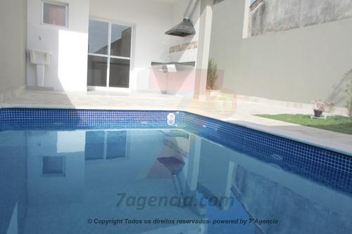 ch02 sobrado c/ piscina  churrasqueira em condomínio fechado