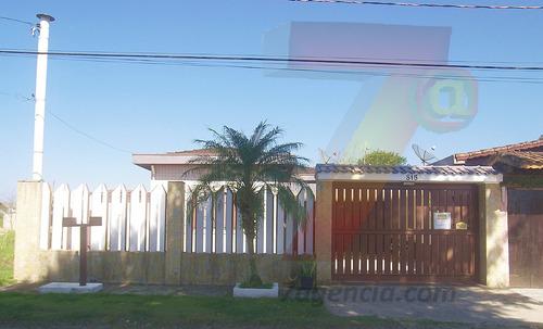 ch205 casa na praia  3 quartos churrasqueira terreno grande