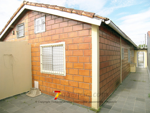 ch52 casa proximo ao centro comercial e lado praia 2 quartos