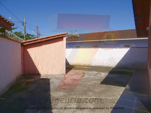 ch65 casa na praia, terreno grande, prox ao comercio, 2dorms