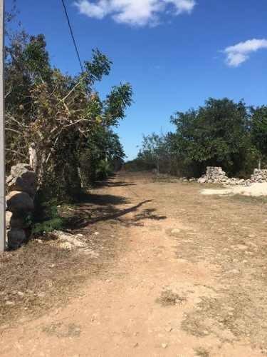 chablekal terreno en venta da dos calles 1710.85m2