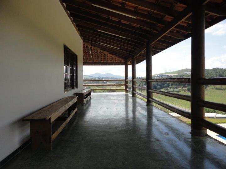 chácara 1 km do centro da cidade / piracaia   ch-065