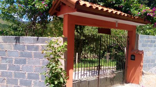 chácara 1300m2 em ibiúna ótima localização venha conferir