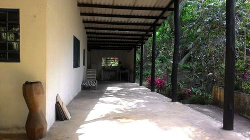 chácara / 15.000 m² / 2 km da rodovia e bairro / plantações