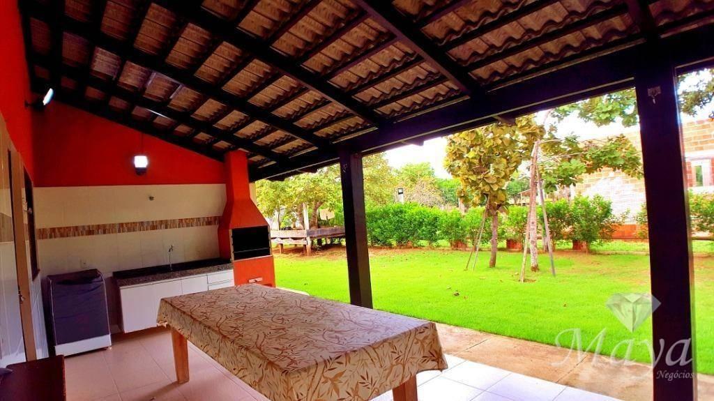 chácara 2.000 m² c/ casa no condomínio country hall - ch0007