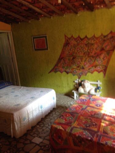 chácara 3300m², 3 dorm, com córrego, docs ok!