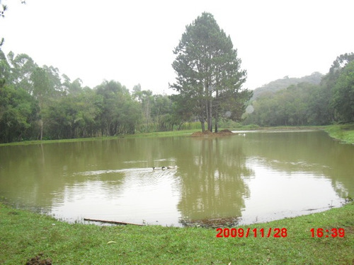 chácara 3,5 alq. c/ lago e piscina