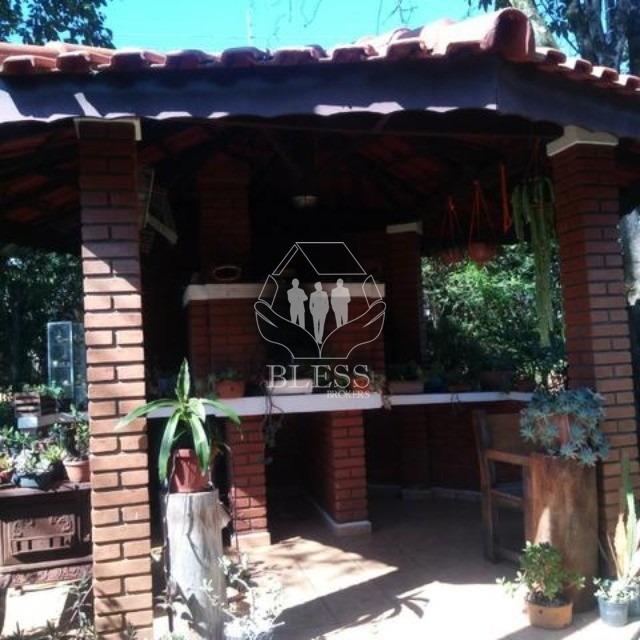 chácara ao lado da rod. edgard máximo zamboto em campo limpo paulista - sp  excelente casa com 03 dormitórios sendo 01 suíte com armários, wc social, - ch00161 - 67659389