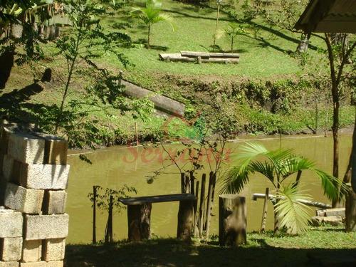 chácara bem localizada com chalé e lago em juquitiba