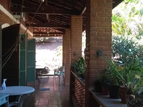 chácara bem localizada com grande flora e fauna.