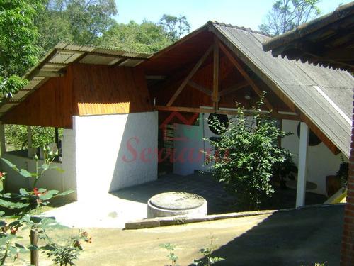chácara bem localizada com lago e chalé