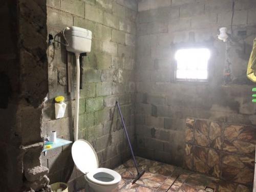 chácara c/ 2 dormitórios e escritura no litoral, itanhaém-sp