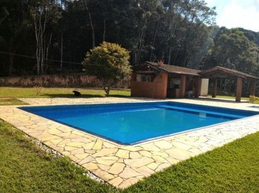 chácara c bela piscina, área de churrasqueira bem localizada