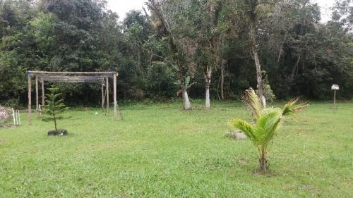 chácara cercada no bairro indaia em itanhaém, litoral sul sp