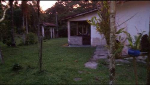chácara cercada no jardim são fernando, itanhaém-sp! confira