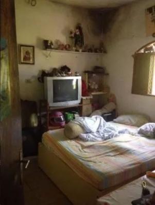 chácara com 2 dormitórios, possui uma casa lateral, confira!