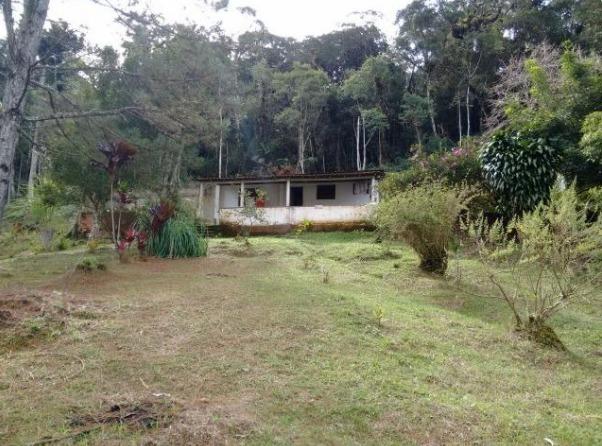 chácara com 20.000 m² em juquitiba casa simples