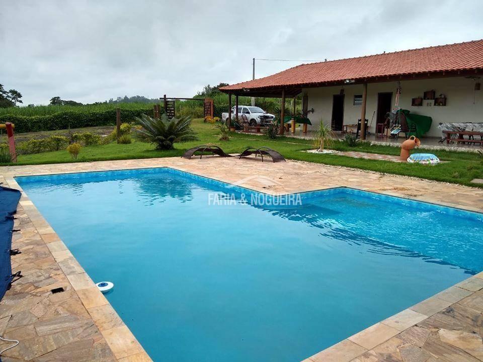 chácara com 4 suítes à venda, 4000 m² por r$ 650.000 - zona rural - rio claro/sp - ch0019