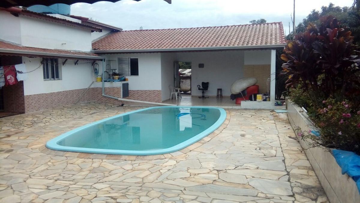 chácara com área de 2.000 m², com salão de festa !!