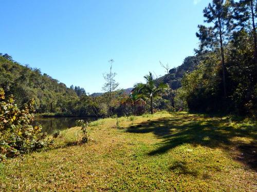 chácara com belo lago e nascente própria em juquitiba