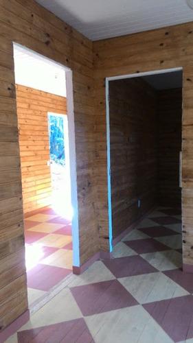 chácara com bosque e casa nova de madeira