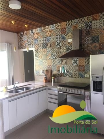 chácara com casa nova no condomínio porta do sol - 04 suítes - 197