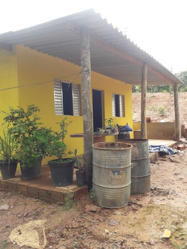 chácara com casa nova próxima a represa