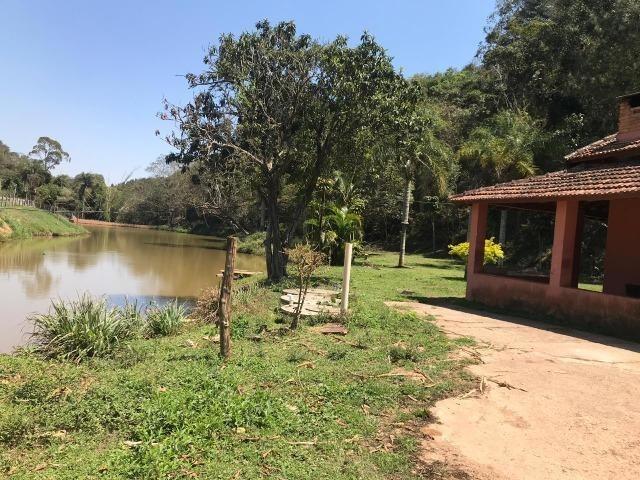 chácara com celeiro, lareira, lago próximo a piedade