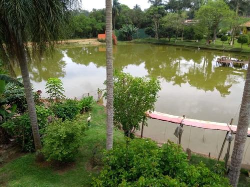 chácara com lago  1000 a 6 km do centro de ibiúna 2593
