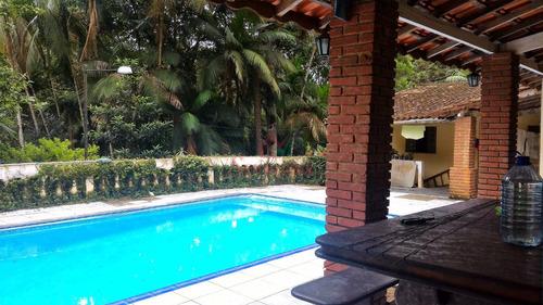 chácara com lago piscina área de churrasco bem localizada