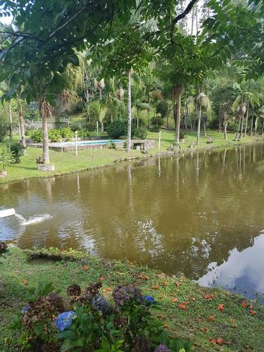 chácara com linda lago área medindo 25.000 m²