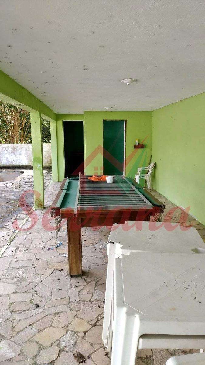 chácara com piscina área de churrasco e lindo pomar
