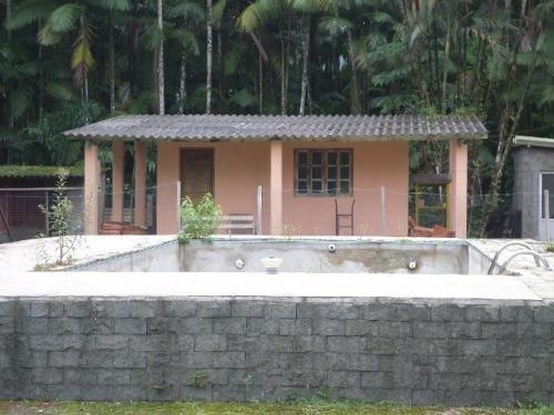 chácara com piscina e 3 quartos, itanhaém-sp - ref 4208-p
