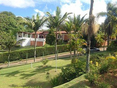 chácara com piscina em condomínio fechado em ibiúna!