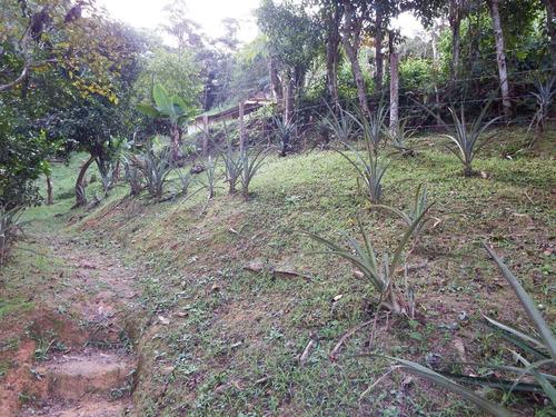 chácara com sobrado área toda gramada em juquitiba