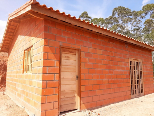 chácara de 2000 mts2 com casa de 2 dormitorios