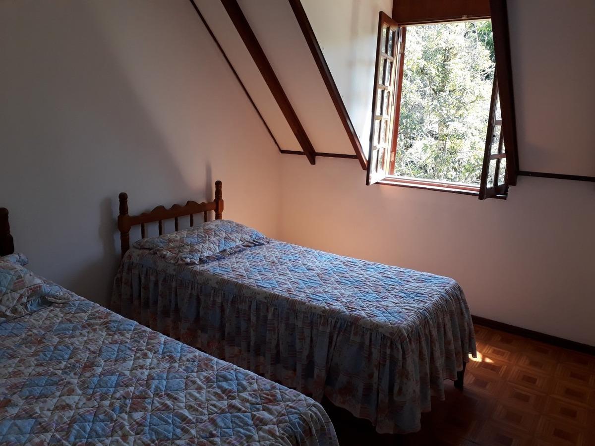 chacara em atibaia, estilo europeu, com 3 quartos, 2 salas