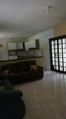 chácara em itanhaém-sp, possuí 3 dormitórios (1) suíte