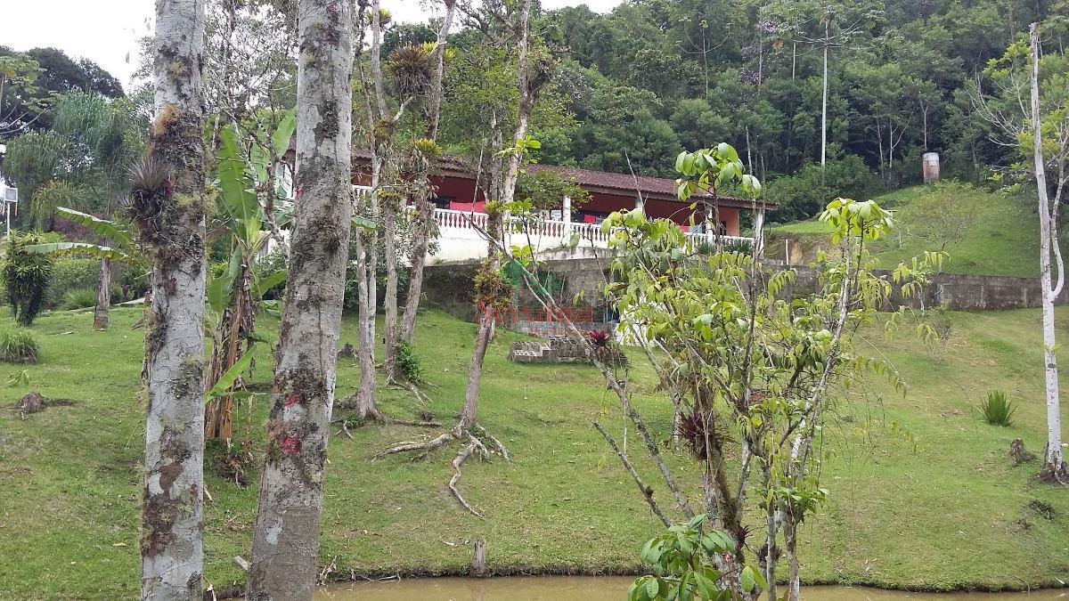 chácara em juquitiba 2 lagos, nascente e área de lazer