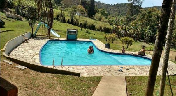 chácara em juquitiba 44.800 m² com piscina e salão de festa