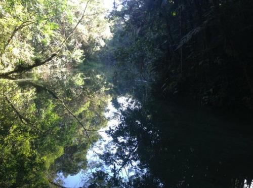 chácara em juquitiba acesso para represa com piscina