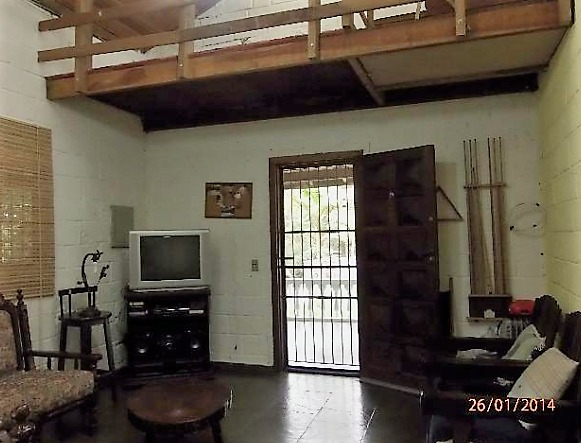 chácara em juquitiba com 2 piscina e área de churrasqueira