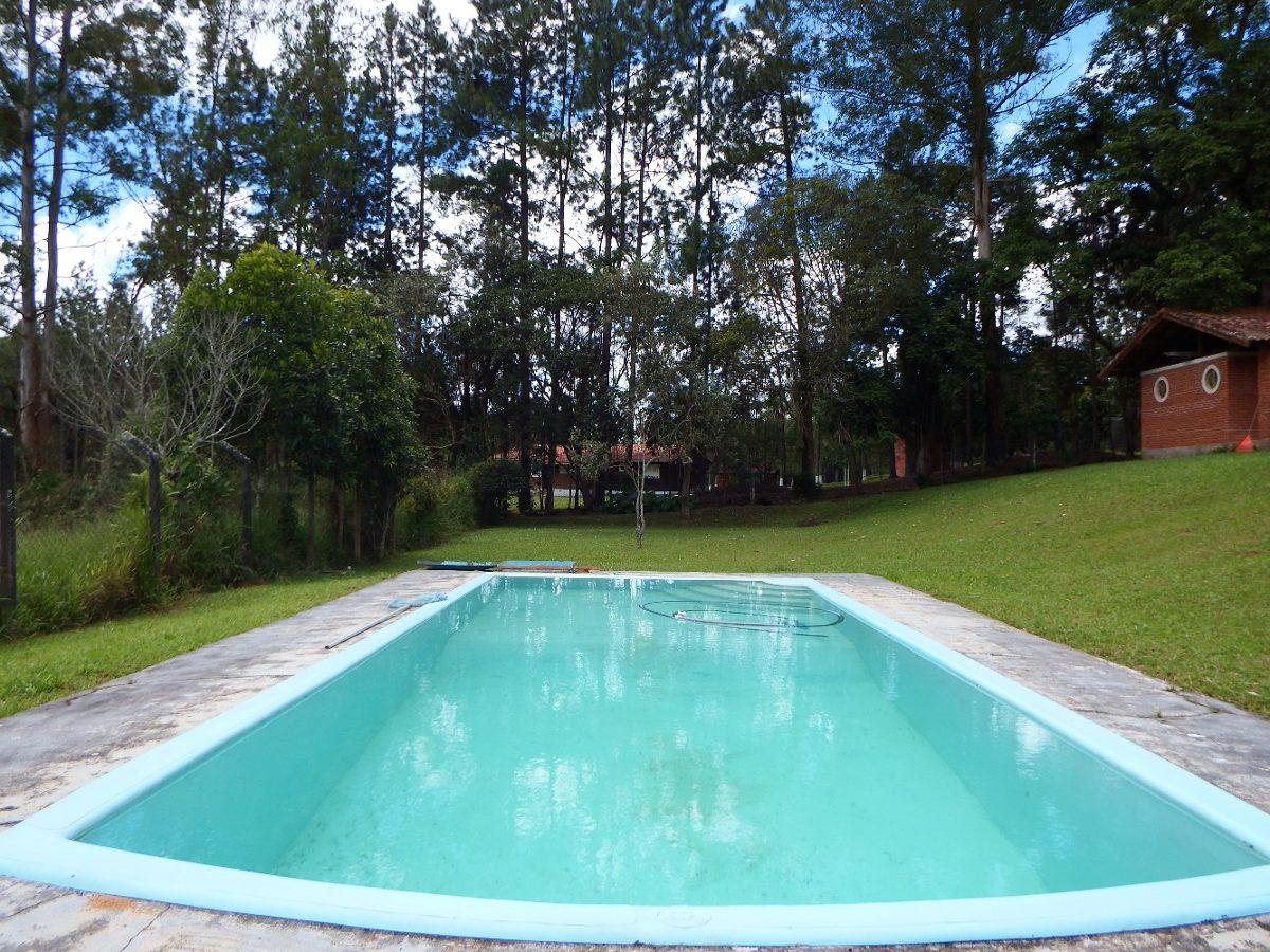 chácara em juquitiba com casa toda avarandada piscina