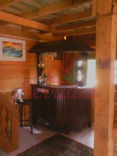 chácara em juquitiba com chalé de madeira