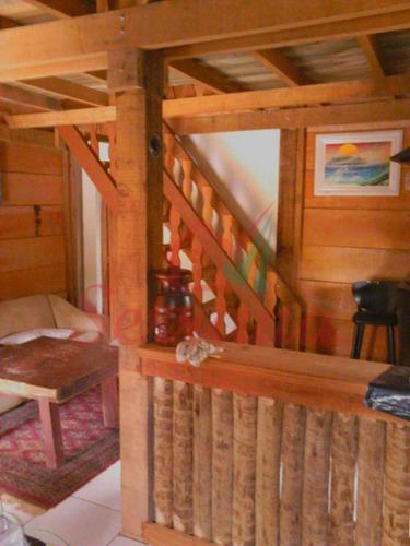 chácara em juquitiba com chalé de madeira bem localizado